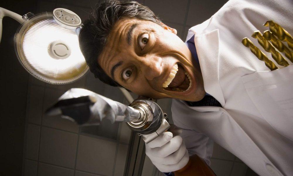 På Vita Tanden testar vi olika tandblekningar och något vi kommit fram till: blek inte tänderna hos tandläkaren.