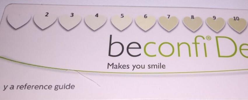 Genom att mäta resultatet med en nyanskarta kan vi komma fram till bäst tandblekningspenna.