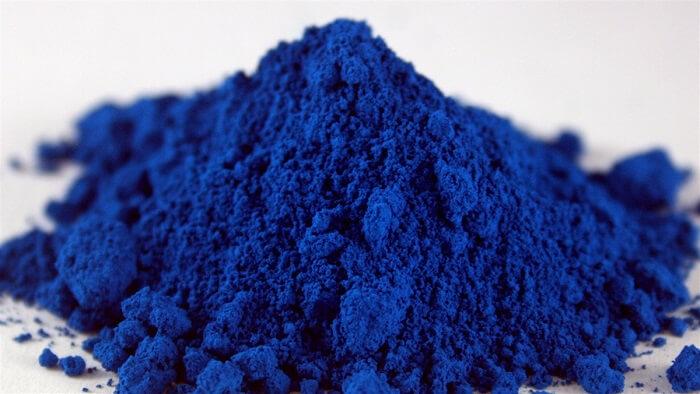 Visste du att denna blåa färg används för att färgsätta din tandkräm?